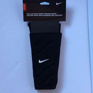Nike padded forearm sleeve
